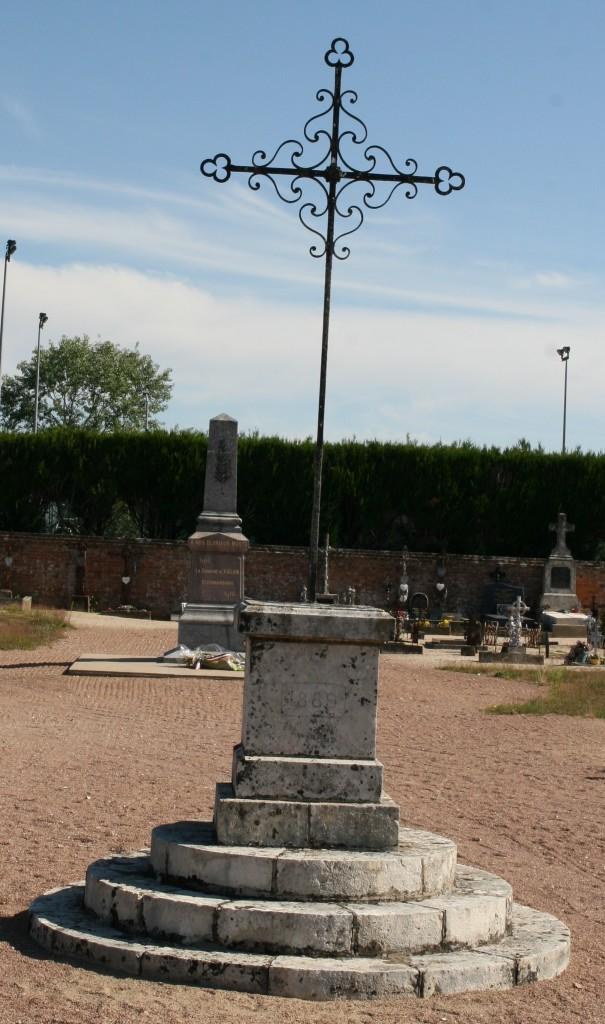 Croix hosannière du cimetière